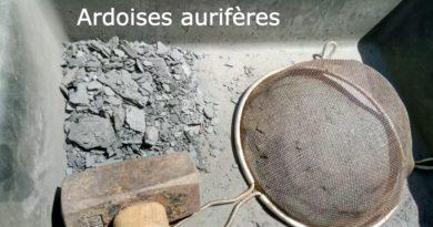 Ariège: de l'or disséminé dans les ardoises des toits des maisons et des granges