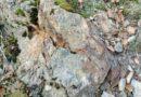 Ariège: broyage de roche de conglomérat oxydé et pyriteux datant du Silurien